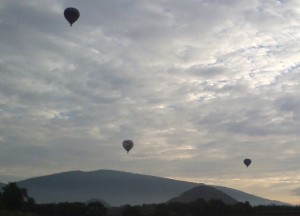 You can take a hot air balloon tour over Teotihuacan.
