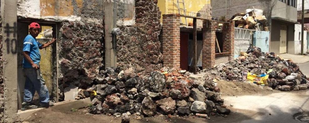 miserable-flooding-is-a-fact-of-life-in-mexico-citys-impoverished-iztapalapa-borough-1401737787